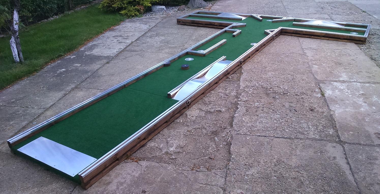Devyni viename mini golfas Image