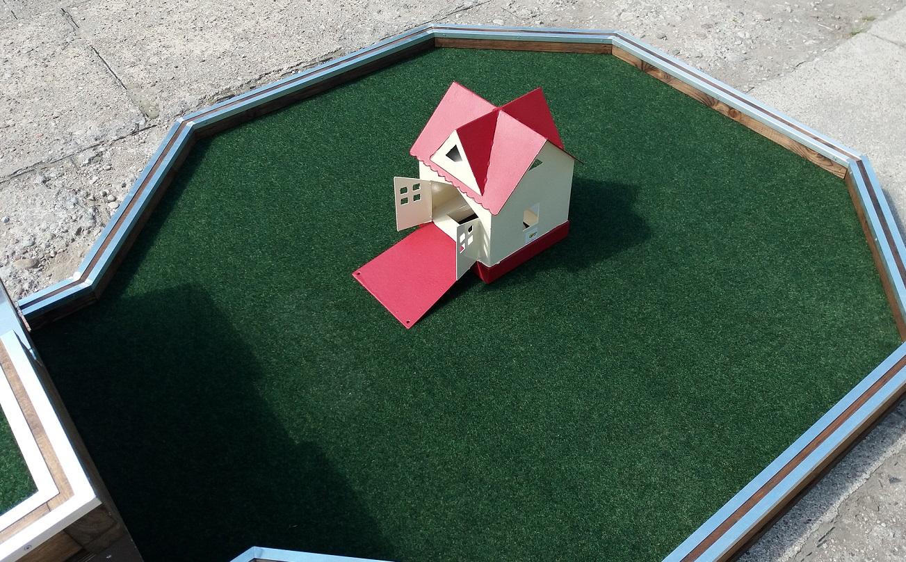 End hole house - Summer house Image