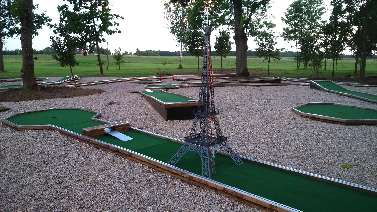 Professional WMF felt mini golf course Image